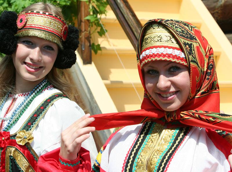 russian-native-costume-0001