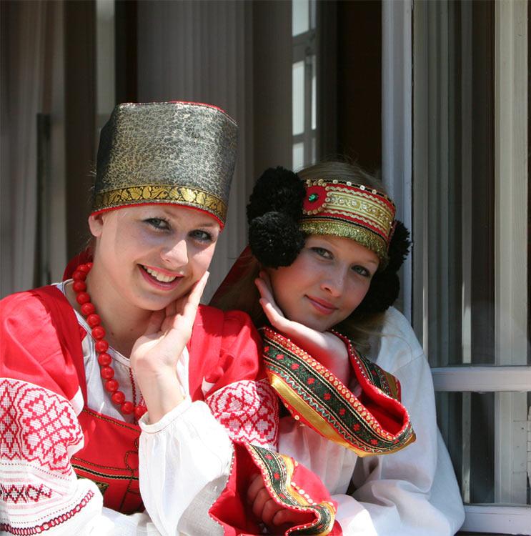 russian-native-costume-0003