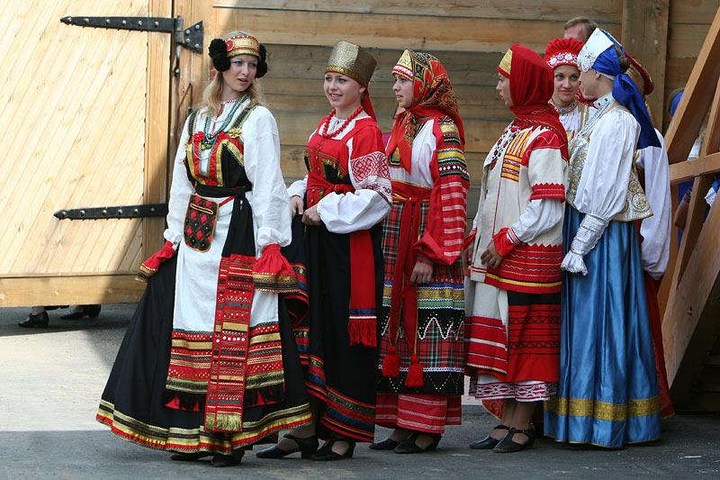 russian-native-costume-0004