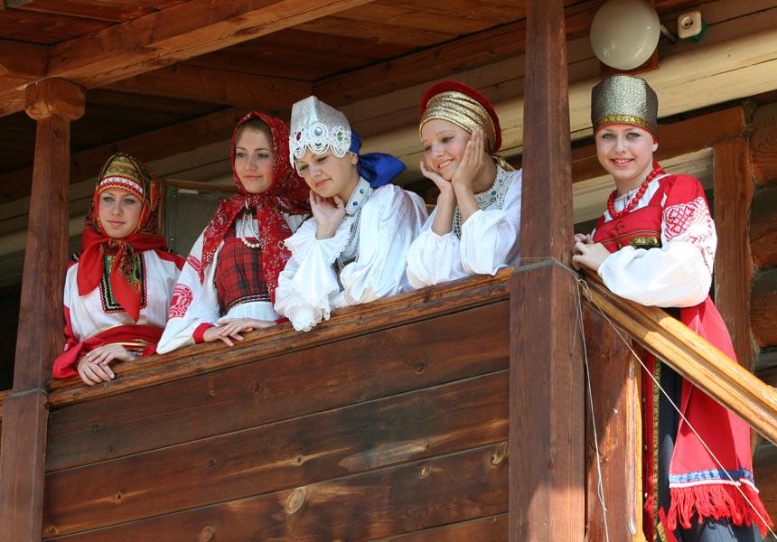 russian-native-costume-0005