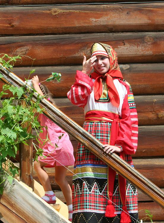russian-native-costume-0010