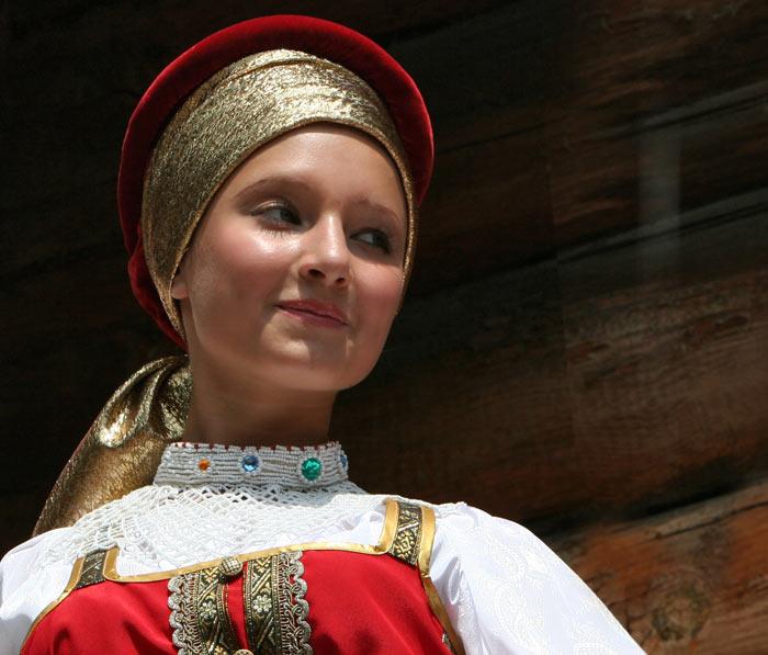 russian-native-costume-0012