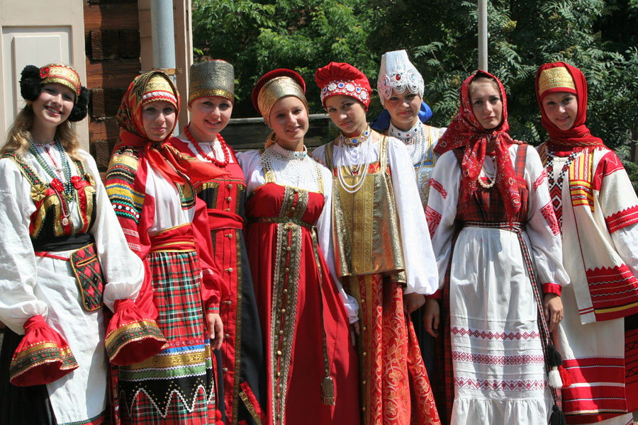 russian-native-costume-0017