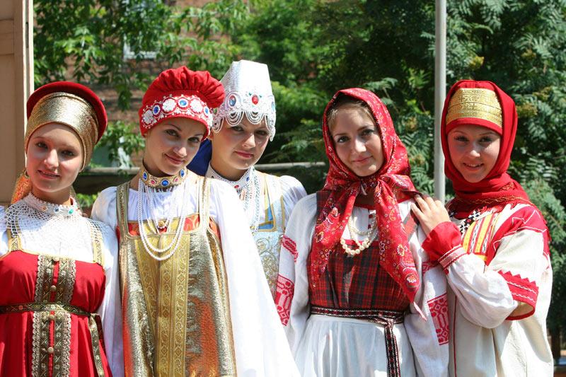 russian-native-costume-0020