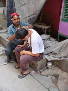 Чистильщик ушей (Дели, Индия)