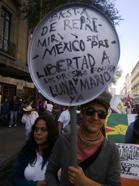 Марш протеста в Мехико 01-13-2013