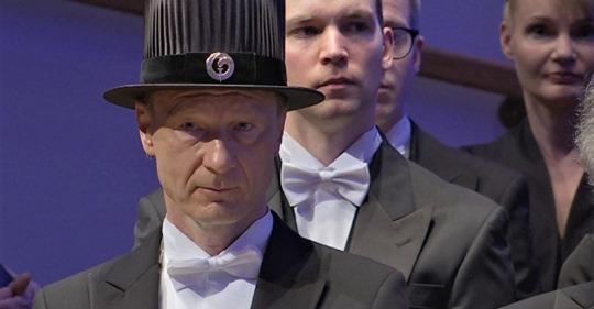 Исмо в пресловутой шляпе