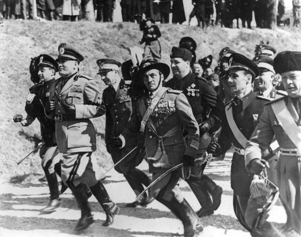 Benito_Mussolini_1940