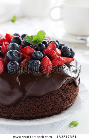 stock-photo-chocolate-cake-with-summer-berries-133517651
