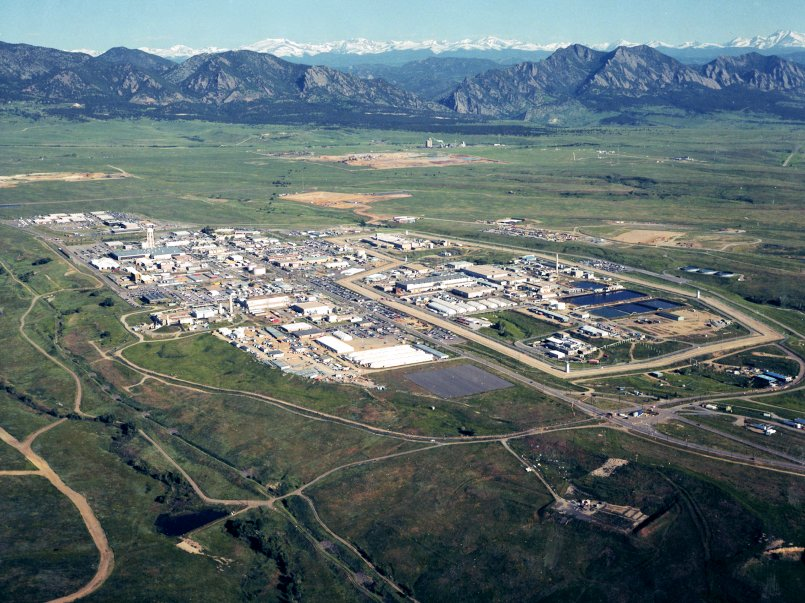 Rocky_Flats_Site_in_July_1995_Prior_to_Final_Cleanup