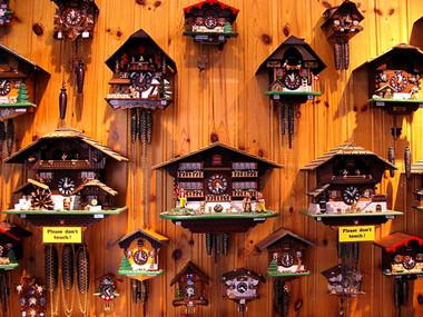swiss-souvenirs-cuckoo-clocks