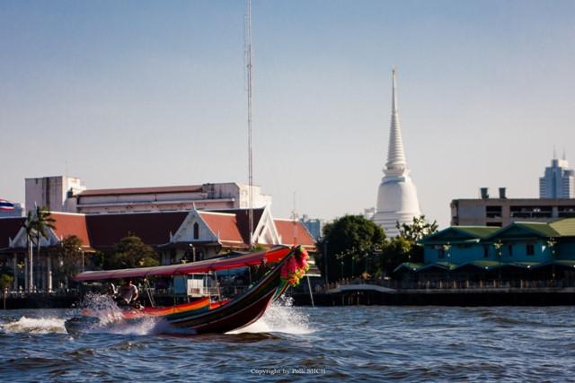 покататься получи и распишись лодке во  бангкоке