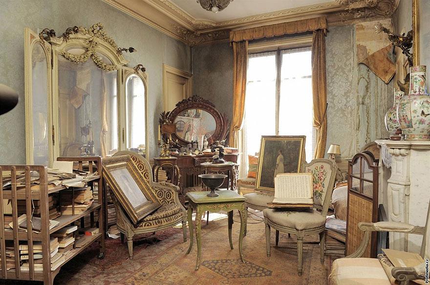 70-years-isolated-apartment-paris-marthe-de-florian-1