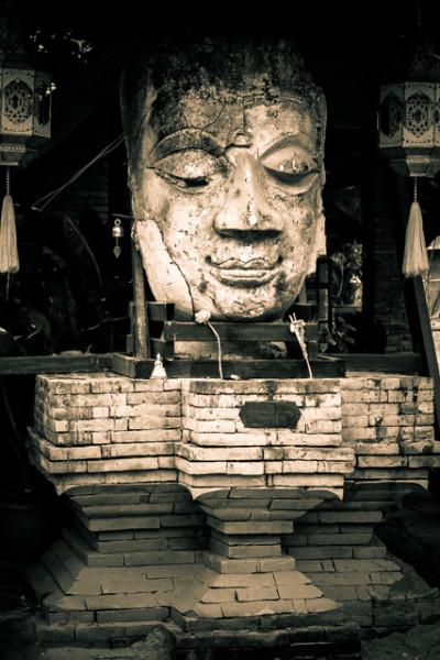 Путешествие на север. День 1 и 2, перелет Пхукет - Чианг Май и первое знакомство с городом
