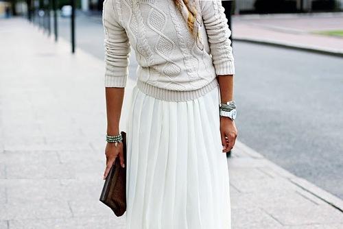 С чем носить длинную плиссированную юбку? Аксессуары: ничего лишнего