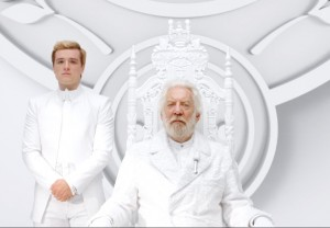 rs_1024x711-140625085152-1024.hutcherson-sutherland-hunger-games.ls.62514_copy
