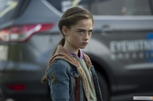 kinopoisk.ru-Tomorrowland-2593059