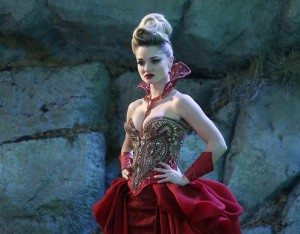 red-queen-once-upon-a-time-emma-rigby-dress-e1378494446937