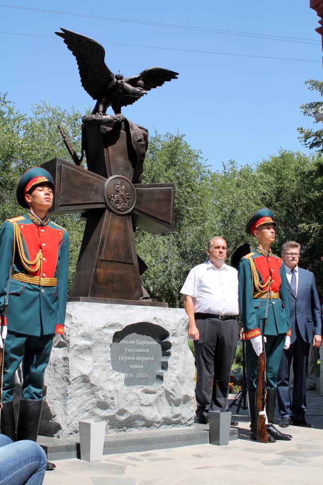 Торжественное открытие памятника 1 08 2014 (2)