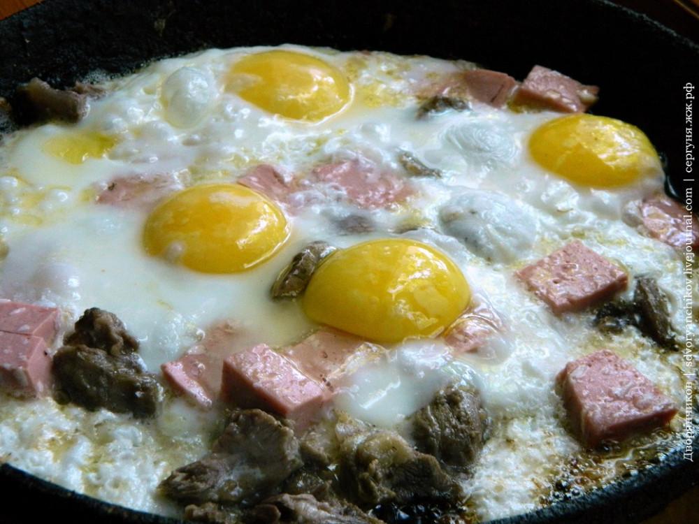 яичница 11 июня с мясом и колбасой (2).jpg