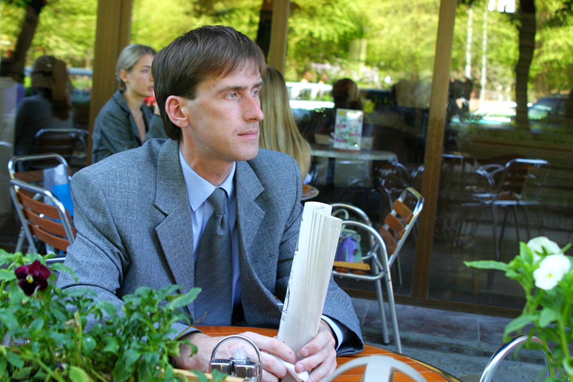 Волгоград. Кафе Гранд. Май 2005. Фото А.Виноградов.