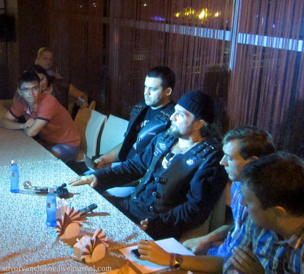 Хирург встретился с блогерами и журналистами Волгограда
