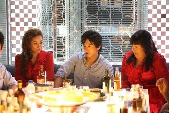 two hundered pounds beauty - ammy turns up to dine in an identical dress to the one hanna received