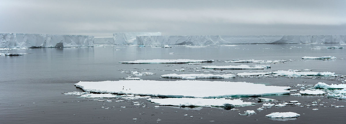 Antarctic_Sound-2016-Iceberg_03