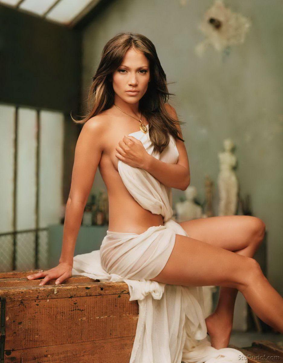Golaya-Jennifer-Lopez-16