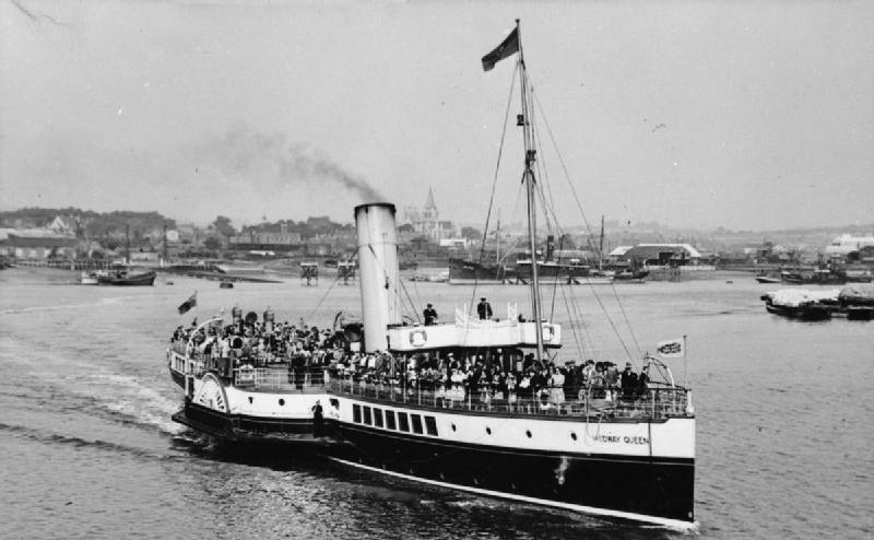 HMS_Medway_Queen_FL15150