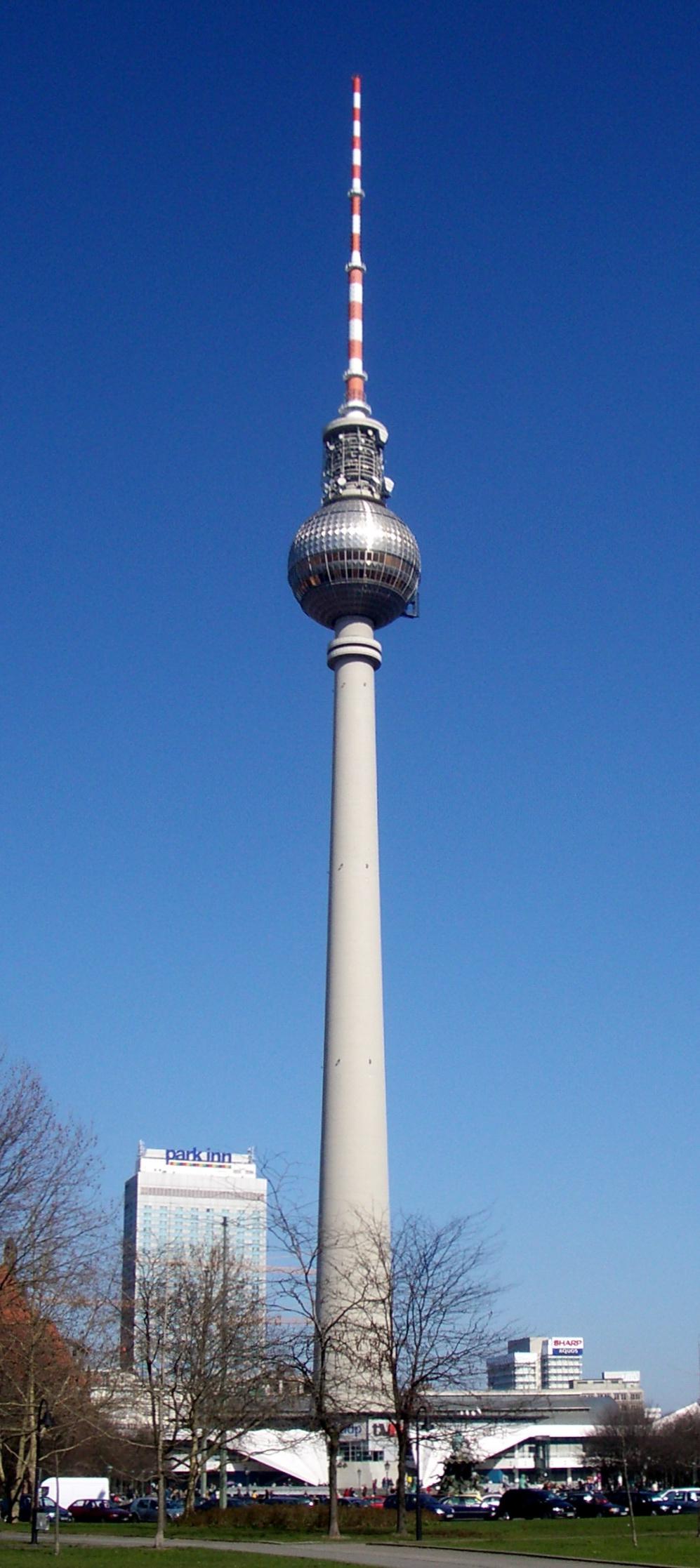 Berlin_Fernsehturm_2005
