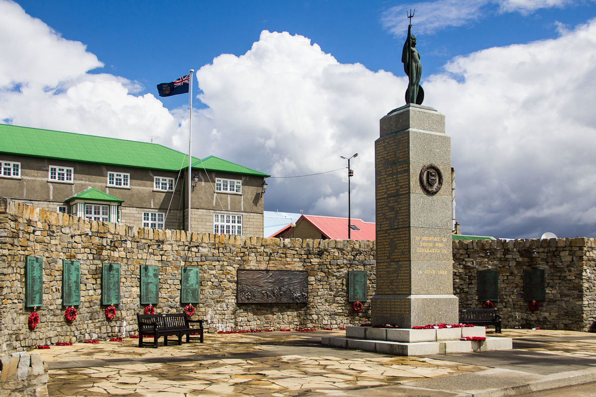 Falklands_War_Memorial,_Stanley_(Falkland_Islands)