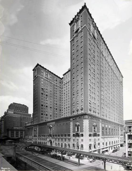 Commodore_Hotel,_New_York_City,_1921
