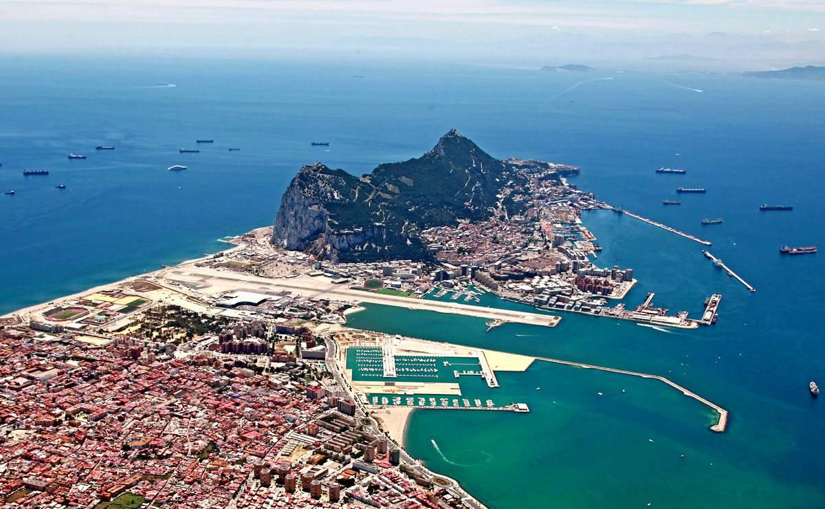 1542792055_vpervie_v_mire_gibraltar_sobiraetsya_legalizovat_ico