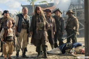 kinopoisk.ru-Pirates-of-the-Caribbean_3A-Dead-Men-Tell-No-Tales-2961648.jpg