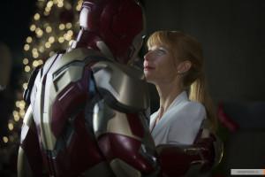 kinopoisk.ru-Iron-Man-3-2153354