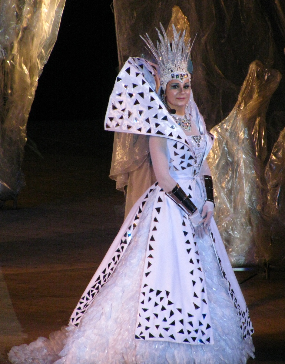 Костюм снежной королевы своими руками мастер класс