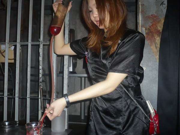 24  alcatraz-er-restaurant-tokyo-japan-9.jpg