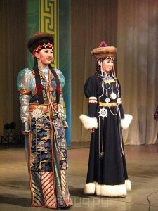 13  nacionalnyj-kostyum-buryatov-19.jpg