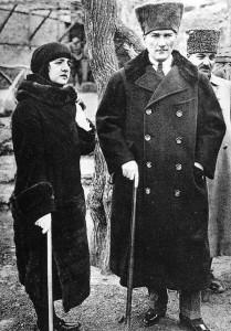 1 Ataturk+wife.jpg