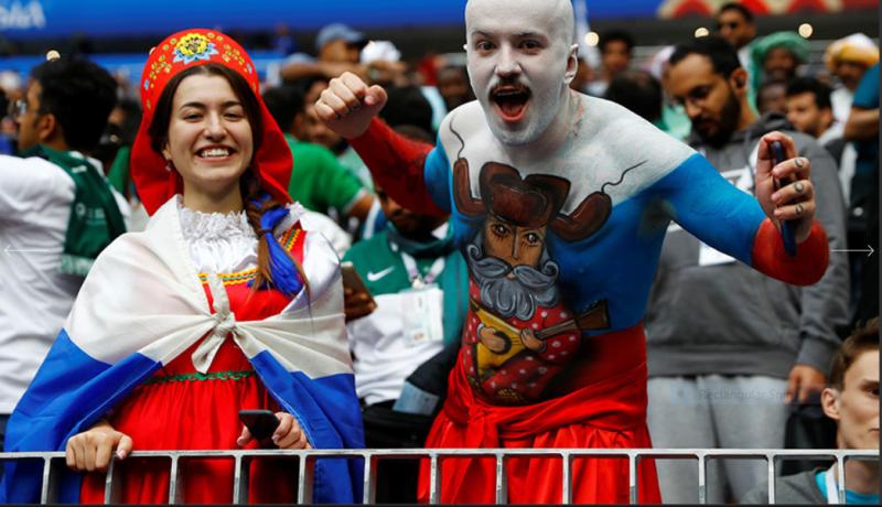 4 Российский болельщик старательно подготовился к игре между Россией и Саудовской Аравией. Стадион «Лужники».PNG