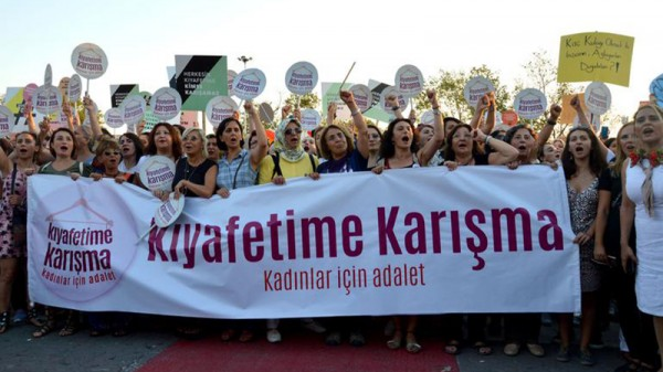 6 Turkish-Women-March-Istanbul-001.jpg