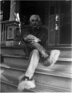 6  unserious-photos-of-albert-einstein-48054.jpg