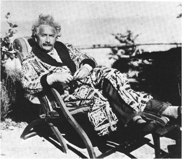8 unserious-photos-of-albert-einstein-98376.jpg