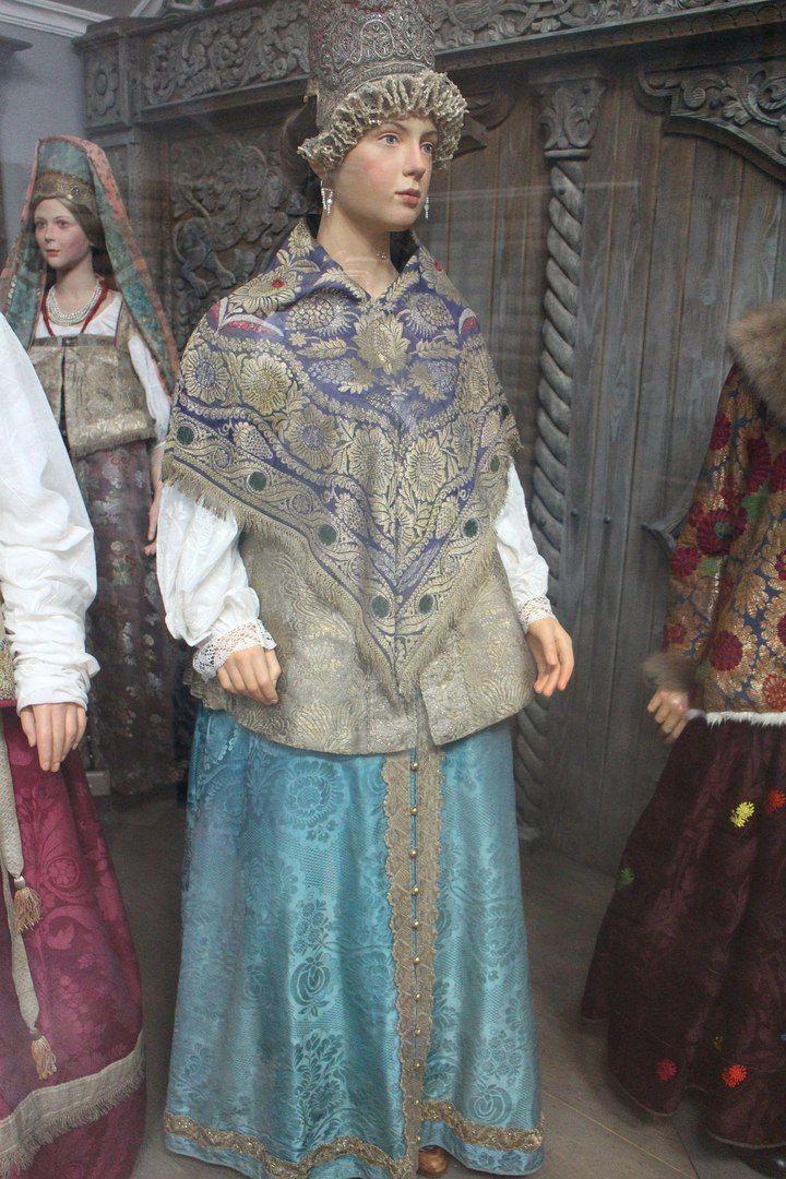 3 floor Женский праздничный костюм, Тверская губ. 18 в.jpg