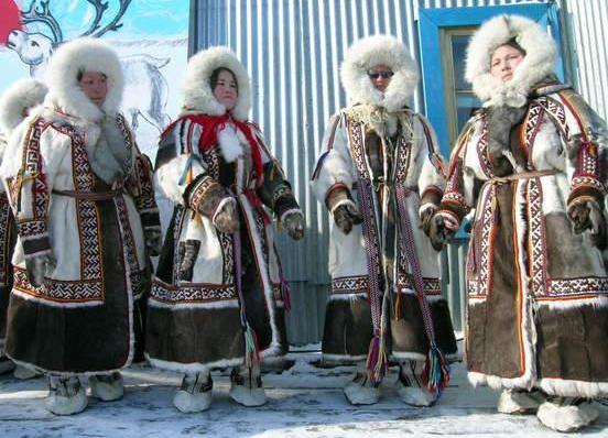 15  yakutskij-nacionalnyj-kostyum-24.jpg