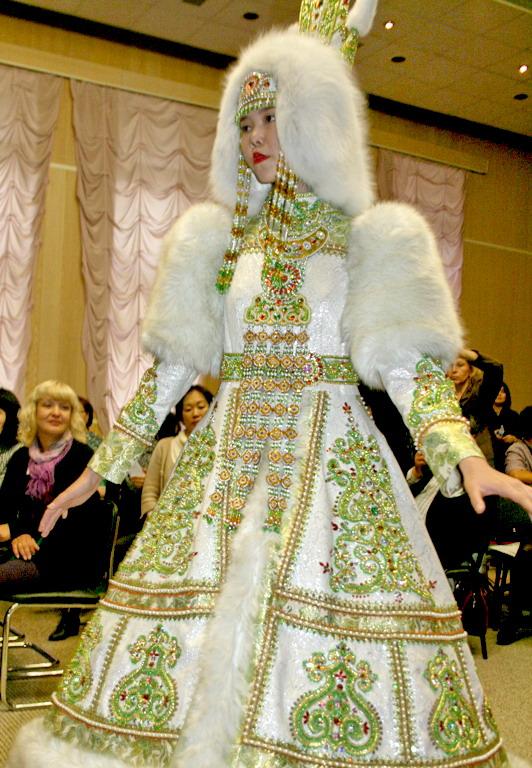14  yakutskij-nacionalnyj-kostyum-22.jpg