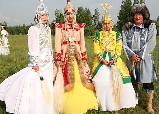 12   yakutskij-nacionalnyj-kostyum-17.jpg