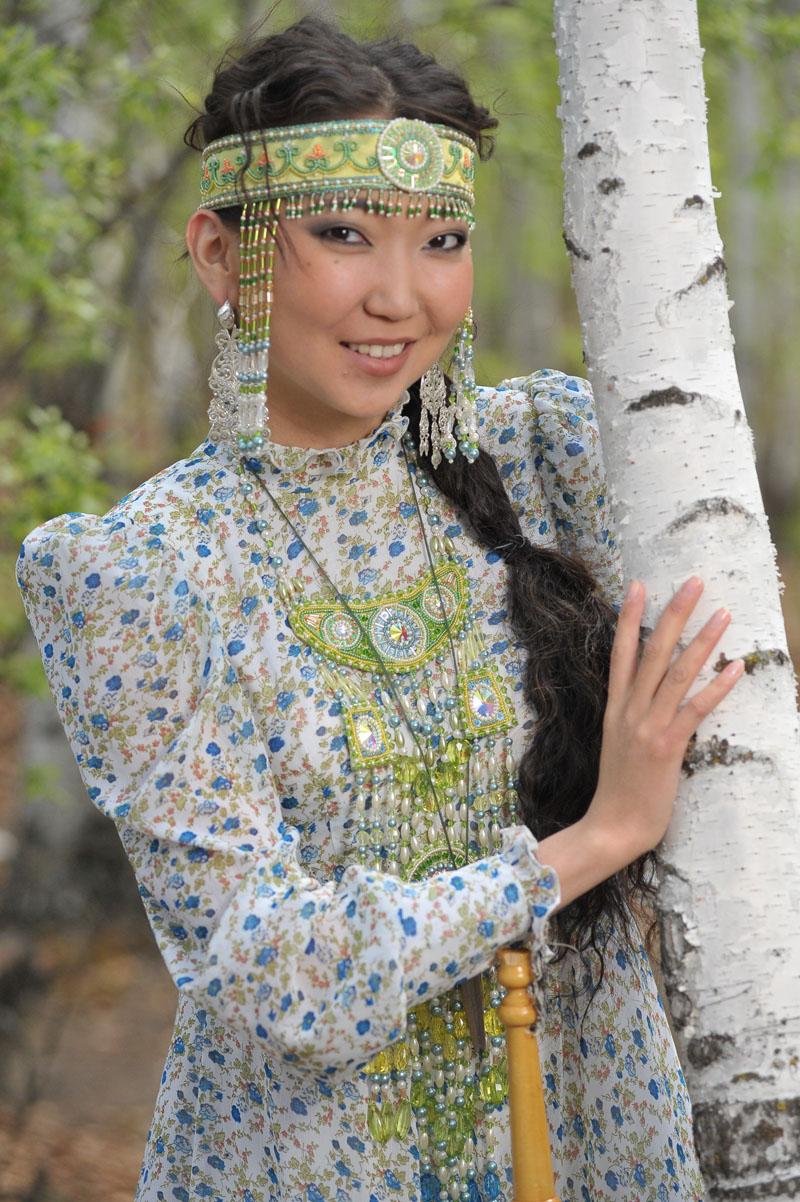10  yakutskij-nacionalnyj-kostyum-14.jpg