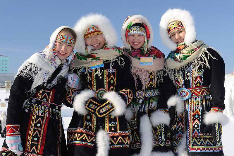 9  yakutskij-nacionalnyj-kostyum-12.jpg
